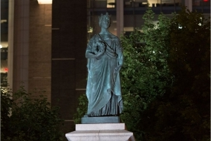 Group claims responsibility for Queen Victoria vandalism