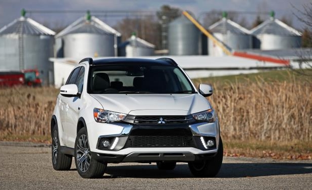 Slide 13 of 70: 2018 Mitsubishi Outlander Sport 2.4L AWD