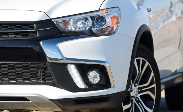 Slide 20 of 70: 2018 Mitsubishi Outlander Sport 2.4L AWD
