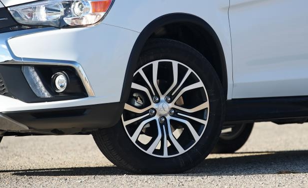 Slide 23 of 70: 2018 Mitsubishi Outlander Sport 2.4L AWD