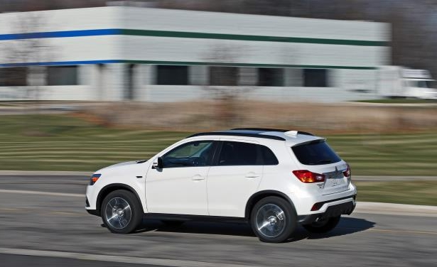 Slide 7 of 70: 2018 Mitsubishi Outlander Sport 2.4L AWD