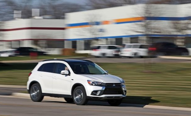 Slide 8 of 70: 2018 Mitsubishi Outlander Sport 2.4L AWD