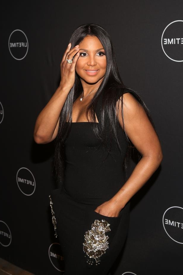 Toni Braxton posing for a picture: Toni Braxton attends the premiere of