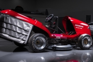Honda Builds 200 kph Lawn Mower