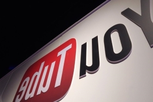 YouTube restricts gun videos