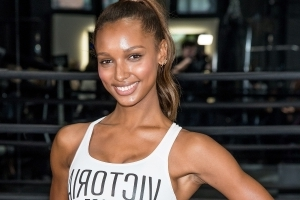 Here's Why Trap Bar Deadlifts Like Jasmine Tookes's Are All Over Instagram