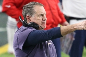 Bill Belichick brushes off idea Tom Brady conflicted about NFL career