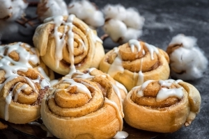 The 5 Best Cinnamon Rolls at the Grocery Store, According to Taste