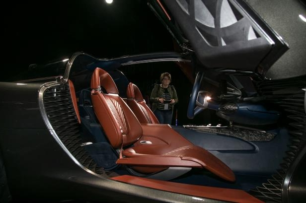Slide 4 of 26: Genesis-Essentia-Concept-front-interior-seats-02.jpg