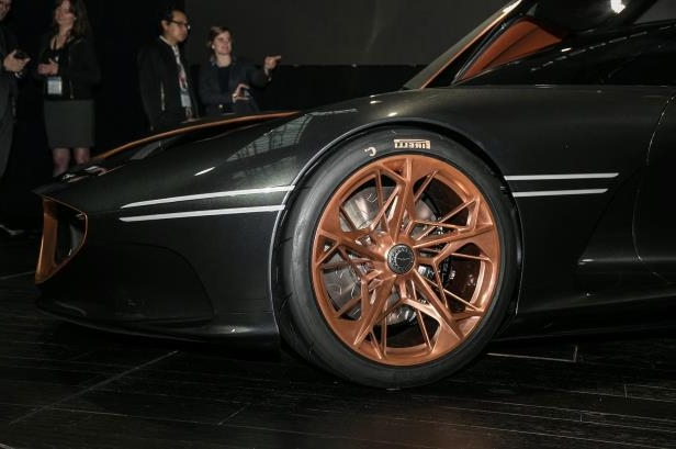 Slide 7 of 26: Genesis-Essentia-Concept-front-wheel.jpg