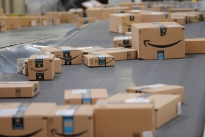 Trump: Amazon 'scam' costing Postal Service 'billions'