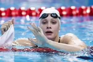 Penny Oleksiak announces grandmother's death before Commonwealth Games debut