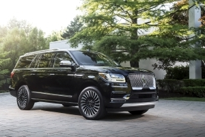 Lincoln Navigator Smashes March Sales Records With Triple-Digit Increase