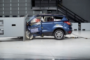 Ford Escape biffs IIHS crash test as airbag fails to deploy