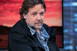 Russell Crowe divorce auction: Jockstrap, ex's ring among items