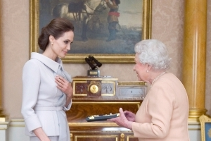 Angelina Jolie on Queen Elizabeth: She's a 'Lovely Lady Who Really Cares About the Future'