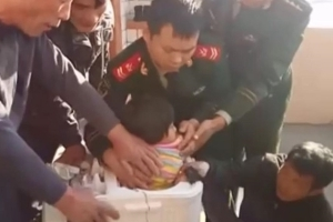 Young Girl Stuck in Washing Machine is Rescued With a Hand Saw