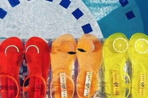 e11eb559399b Style  Katy Perry Is Selling Scented Jelly Sandals - PressFrom - US