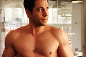 'Shazam' Star Zachary Levi Silences Body Shaming Critics; Posts Shirtless Pic