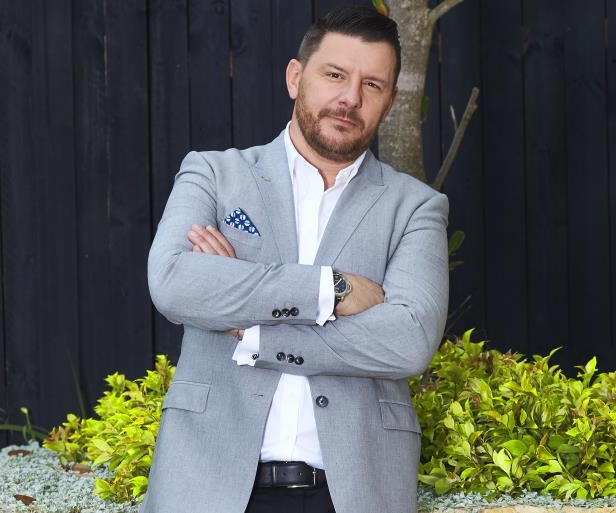 Manu Feildel et al. posing for a picture: Manu wants to prevent bad behaviour on the show for future seasons.
