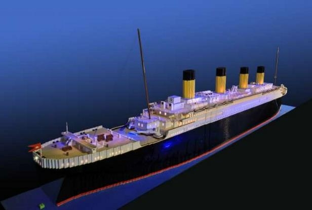 A 10-Year-Old Built the World's Largest LEGO Replica of the Titanic