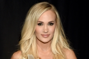 Carrie Underwood 'Was Terrified of People Seeing the Scars' from Facial Injury at ACMs: Source