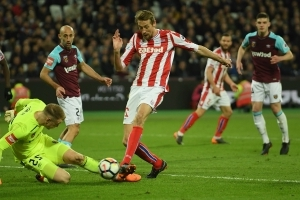 Moyes surprised by Hart error