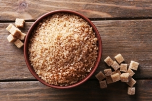 What Is Turbinado Sugar and How Can You Use It?