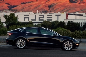 Tesla production pause adds to Model 3 concerns