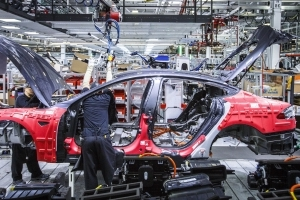 Tesla factory goes 24/7 to hit 6,000 Model 3s per week by June
