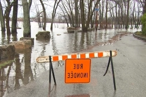 Rain, spring thaw triggers flooding in Quebec