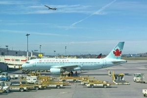 Air Canada and WestJet deny they're offering 'secret' airfares to travel app Hopper