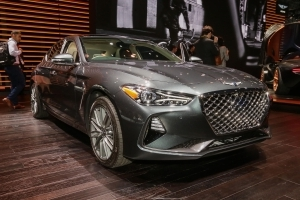 Hyundai changes its mind on Genesis dealers — again