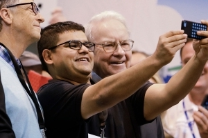Warren Buffett's Berkshire Hathaway buys 75 million more Apple shares, report says