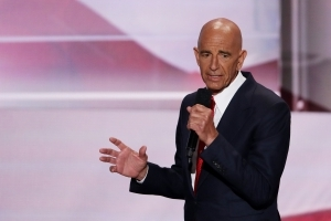Mueller team questions Trump friend Tom Barrack