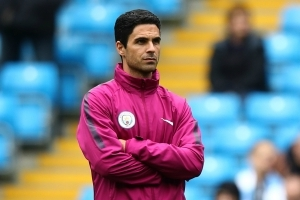 Arteta backed to replace Wenger in 'new Arsenal era' by Djourou
