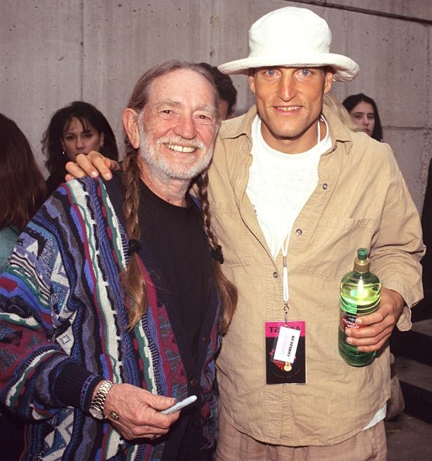 Woody Harrelson, Willie Nelson posing for the camera