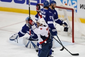 Ovechkin has goal, assist, Capitals crush Lightning 4-2