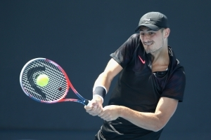 Tomic into Challenger event semi-finals