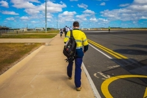 It pays well, but many FIFO workers wear 'golden handcuffs'