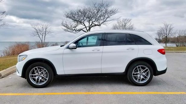 2018 Mercedes-Benz GLC 300-06-SW.jpg
