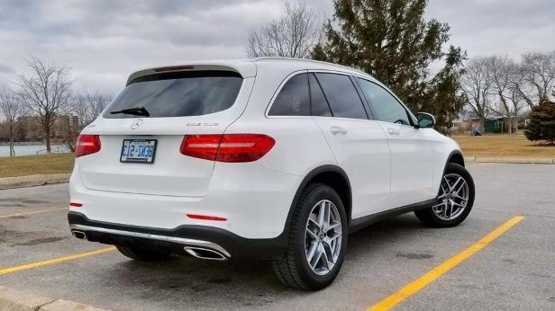 2018 Mercedes-Benz GLC 300-07-SW.jpg