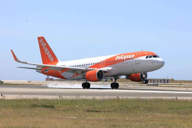 EasyJet losses narrow as airline reaps benefit of bumper winter