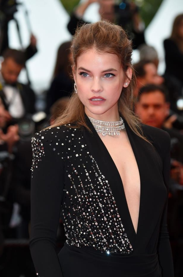 Diapositive 1 sur 10: Barbara palvin 2