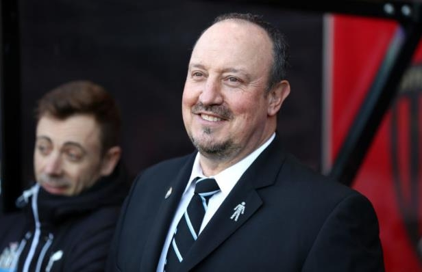 Rafael Benitez wearing a suit and tie: Catherine Ivill/Getty Images Sport