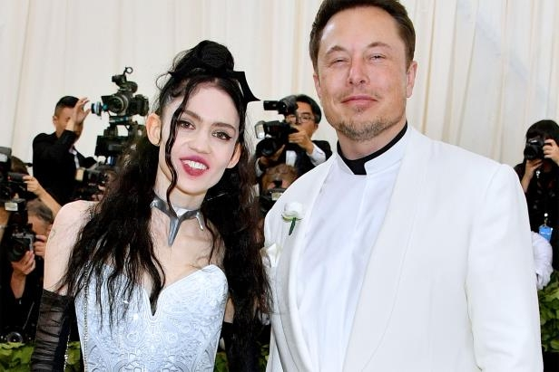 Entertainment: Elon Musk somehow convinced Grimes to legally change