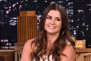 5 reasons to be excited about Danica Patrick hosting the ESPYS