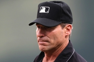 Angel Hernandez once again shows why he's a bad major league umpire