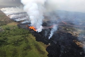 Ocean, jungle explosions new risks from Hawaii eruption