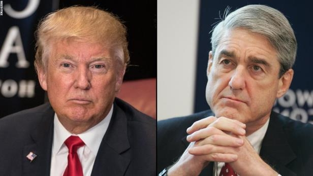 Robert Mueller, Donald Trump are posing for a picture